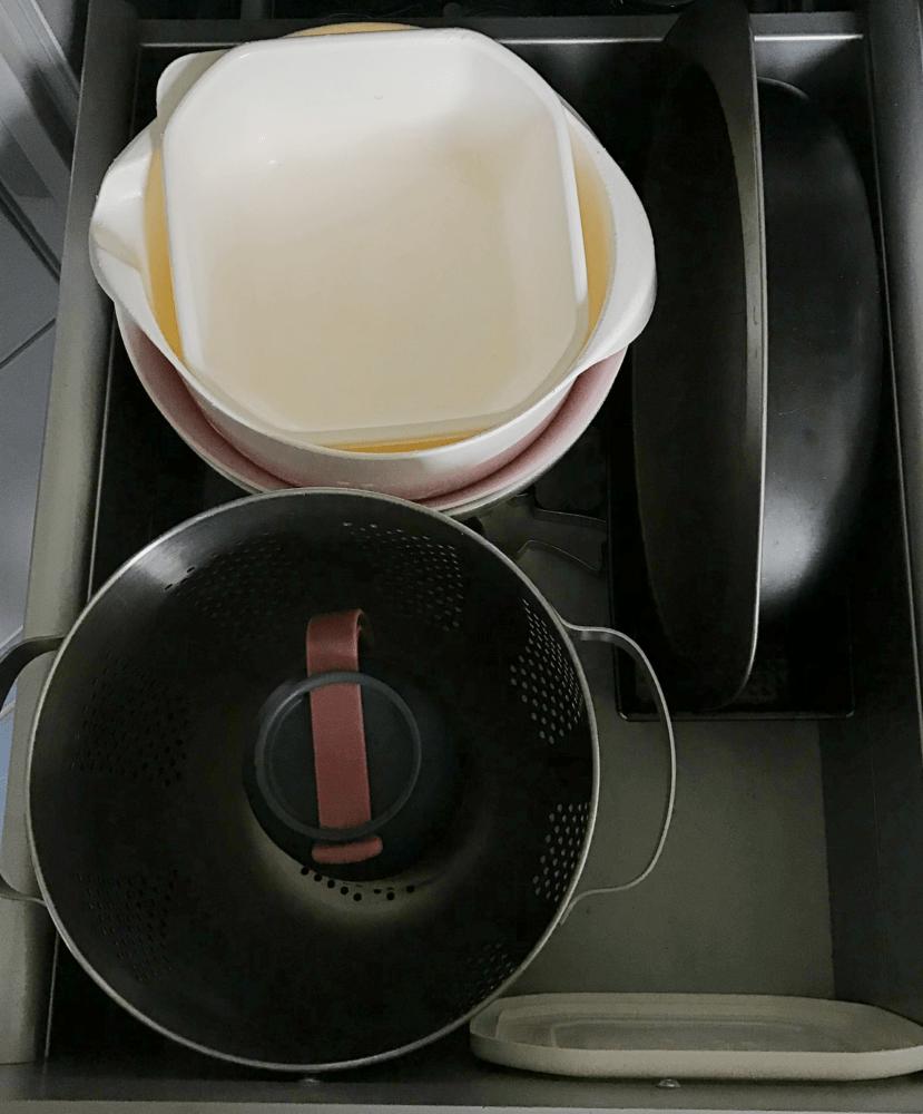 minimalismus kueche familie schalen